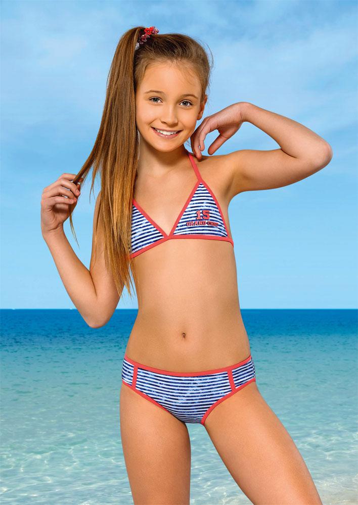 юные моделм в купальниках в вк делают: ставят